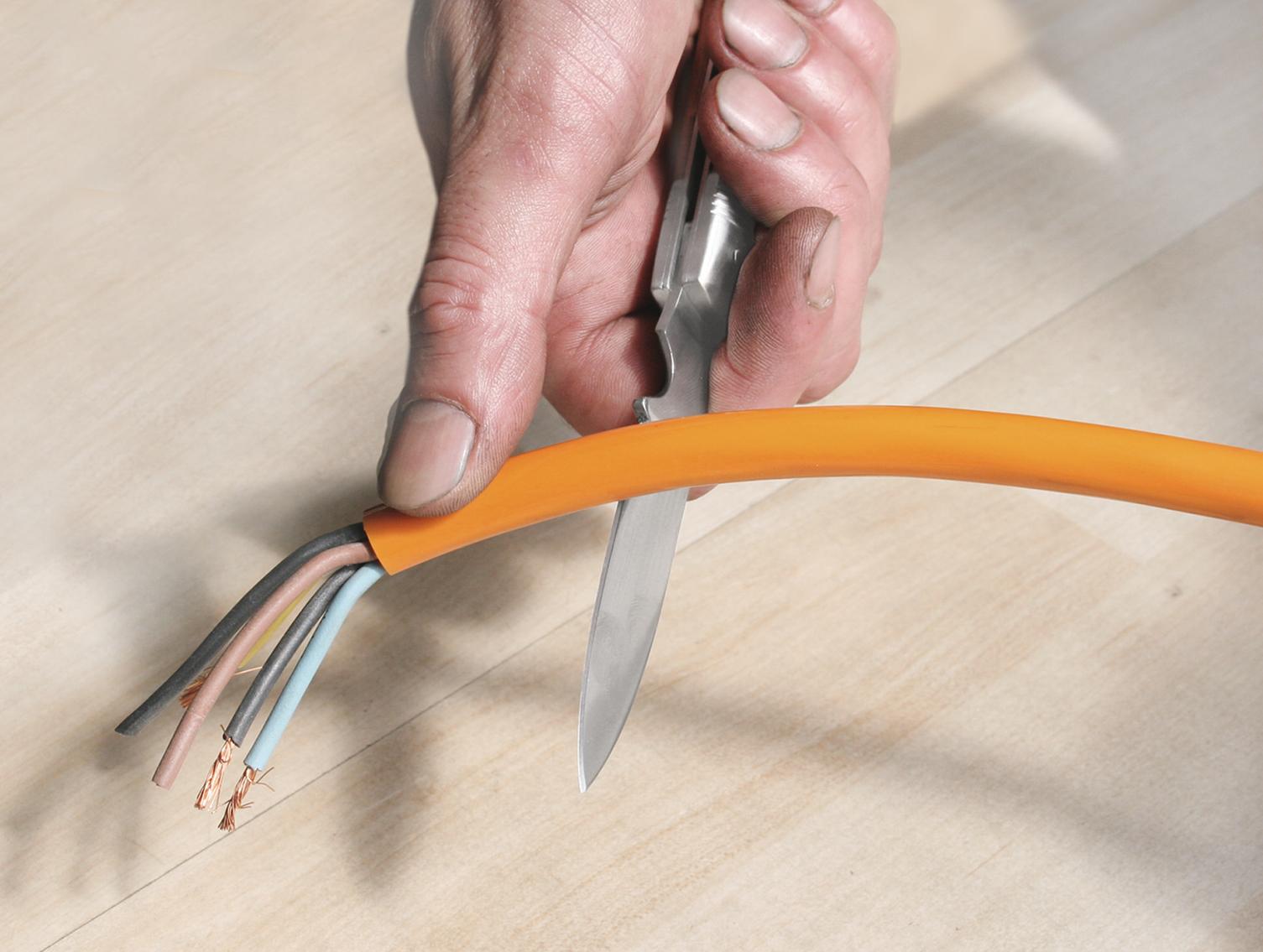 EIn klassisches Kabelmesser für jedes Werkzeugsortiment.