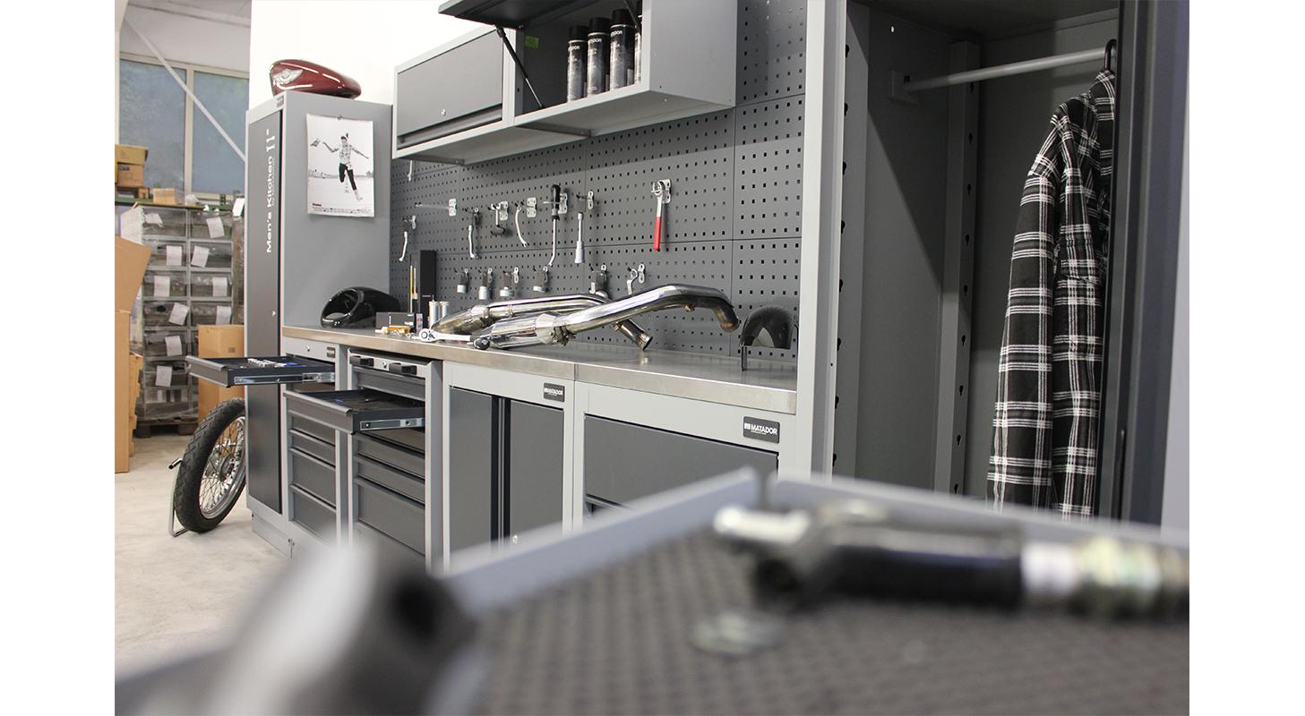 Men's Kitchen: MEDIUM, 2.817 x 1.980 mm, MATADOR