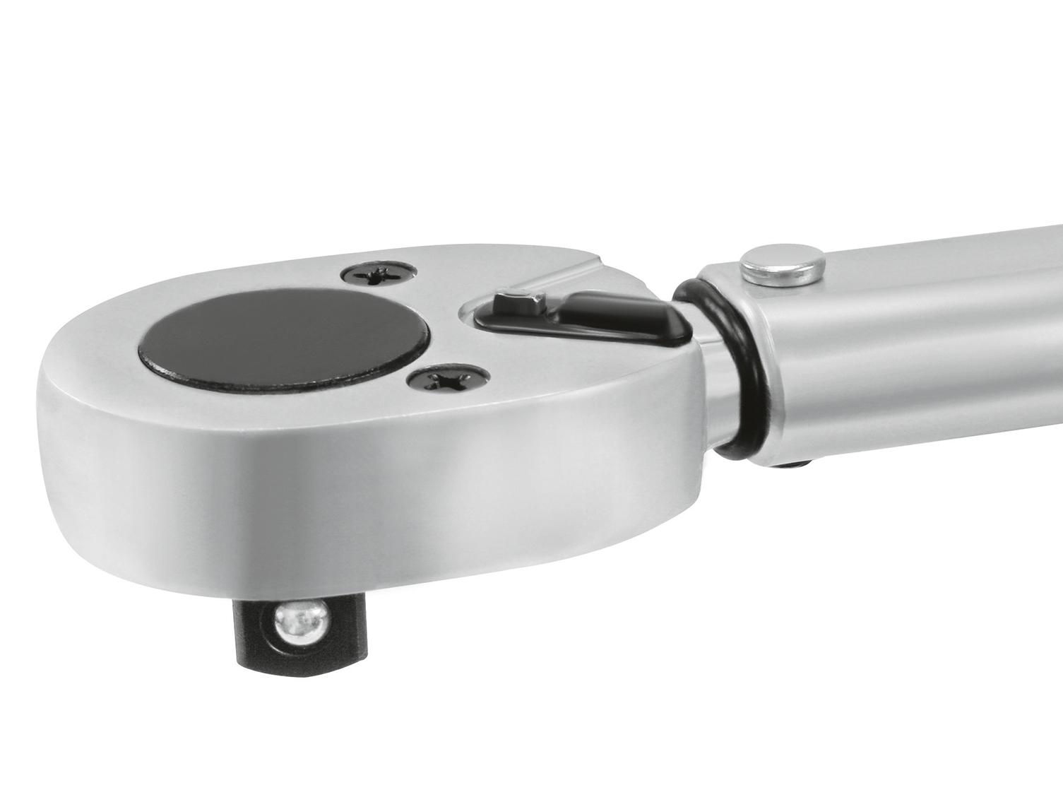 Mit Vierkantantrieb nach DIN 3120 - ISO 1174 mit Kugelarretierung und integrierter Hebelumschaltknarre.